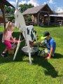 nácvik dojení  kozy v Pohádkové kovárně v Selibově